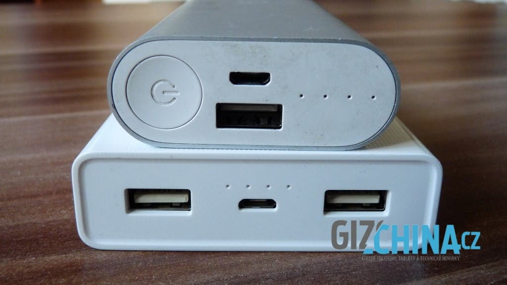 Dobíjanie cez microUSB port, nabíjanie cez dvojicu USB portov