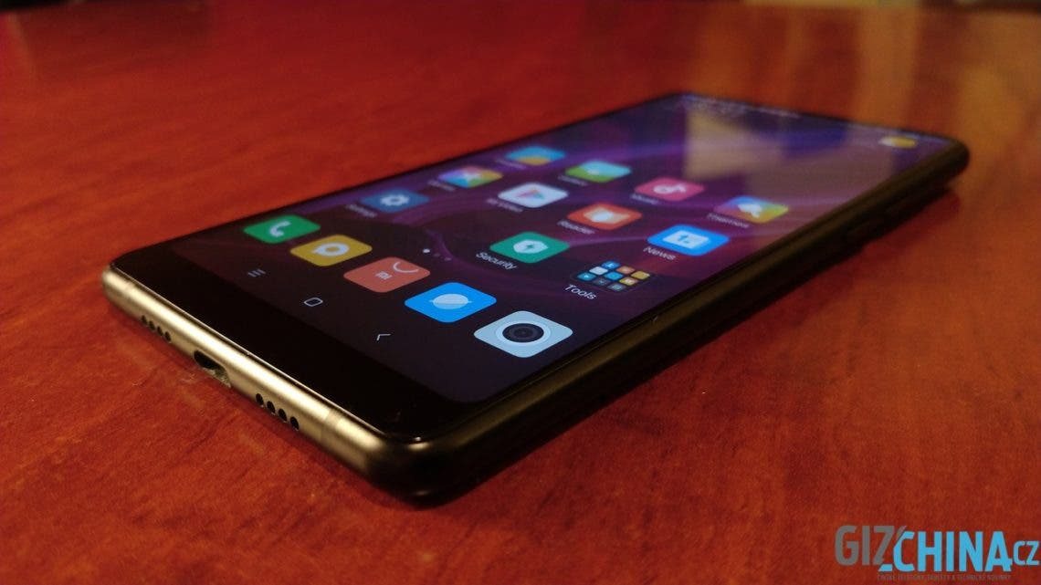 Recenze Xiaomi Mi Mix 2