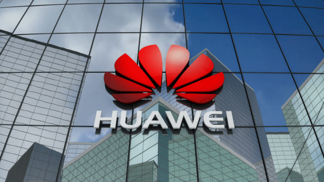 Huawei skládacím telefonu