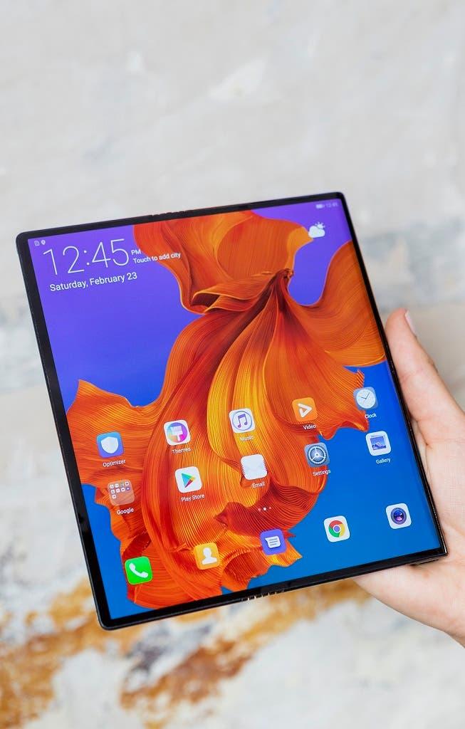 Skládací Huawei Mate X