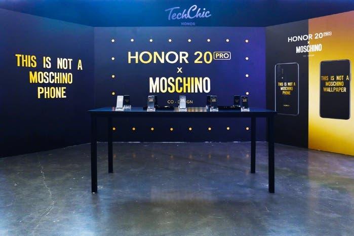 Honor 20 Pro Moschino